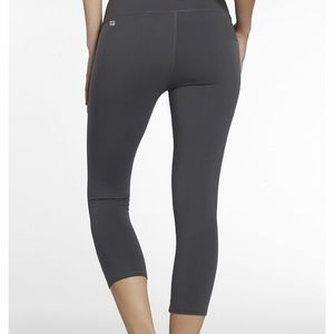 Fabletics capri athletic legging